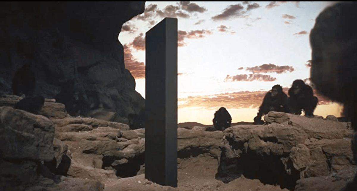 2001年宇宙の旅モノリス